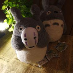 Totoro peluche con maschera di uomo senza volta la citta incantata studio ghibli