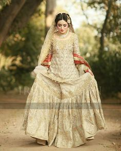 Latest Wedding Bridal Sharara Designs & Trends Collection consists of Top Pakistani & Indian Designer fancy embroidered sharara dresses! Asian Bridal Dresses, Latest Bridal Dresses, Pakistani Wedding Outfits, Pakistani Bridal Dresses, Pakistani Wedding Dresses, Bridal Outfits, Indian Dresses, Indian Suits, Indian Wear