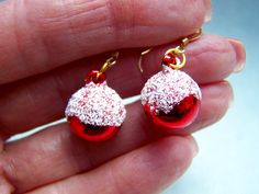 This is a pair of vintage Christmas red ornament charms with glittery white snow that I attached to gold metal earring components. They measure approximately 30 mm. in lengthEarrings will come to you in a box inside a padded envelope. White Christmas Stockings, Pink Christmas, Vintage Christmas, Christmas Earrings, Christmas Jewelry, Red Earrings, Vintage Earrings, Red Ornaments, Turquoise Glass
