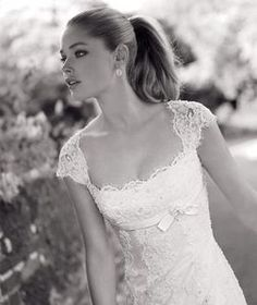 Front of my number one dress. just love it. So romantic