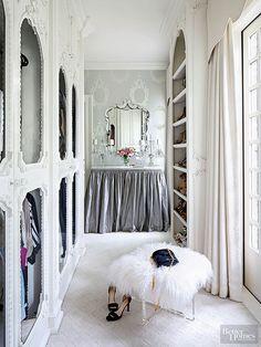 Home Dressing Room Closet Design Carrie Bradshaw Ottoman White Bedroom Dressing Room Closet, Closet Bedroom, Dressing Rooms, Bedroom Girls, Master Closet, Bedroom Ideas, Bedroom Decor, Dream Closets, Tiny Closet