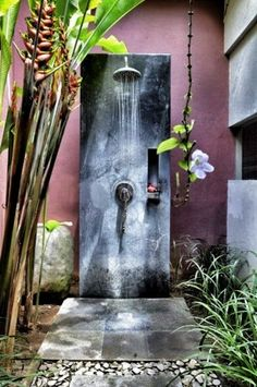 Outdoor shower could be a superb upgrade for your backyard and a great way to enhance your outdoor experience. The outdoor shower will surely provide you Outdoor Bathrooms, Outdoor Baths, Outdoor Rooms, Outdoor Gardens, Outdoor Living, Outdoor Decor, Small Gardens, Exterior Design, Interior And Exterior