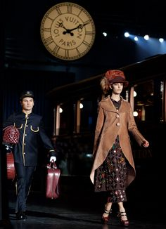 Wow! LV's Fall show is so very Downton Abbey It reminds me of @CollectiveClothing fashion shows at the Chatta Choo Choo. http://www.choochoo.com/