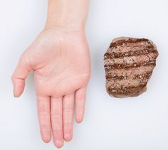 Defining the right size of food portions by using the palm of your hand ✋ / Health Alphabet Nutrition Information, Nutrition Tips, Spaghetti Squash Nutrition, Food Portions, Portion Sizes, How To Cook Steak, Portion Control, Foods To Eat, Nutrition Education