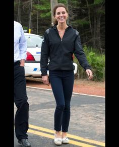 Kate in Canada in a Nike jacket, a J-Brand-Jeans and Loafers from Sebago