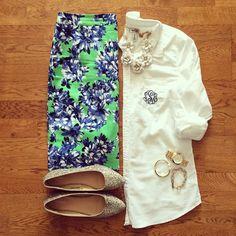 Monogram Oxford Shirt, Floral Pencil Skirt, Glitter Flats | #workwear #officestyle #liketkit | www.liketk.it/1j9OP | IG: @whitecoatwardrobe