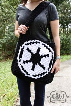 Star Wars C2C Reversible Lined Tote Bag - free crochet pattern and diy step-by-step sewing instructions on Colorful Christine - Do you support the Rebel Alliance or The Empire?