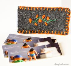 Tutorial: Embroidered felt pouch for your mini business cards--by Jodi of Sew Fearless Craft Tutorials, Sewing Tutorials, Diy Projects, Craft Ideas, Fabric Yarn, Fabric Crafts, Felt Pouch, Business Card Holders, Business Cards