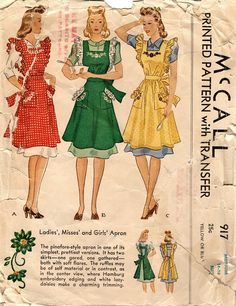 "McCall 917. 1941 aprons. Size Medium (bust 32-34""). Original. Incomplete (only transfer is missing)."