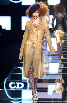 Christian Dior  #VogueRussia #readytowear #rtw #springsummer2004 #ChristianDior #VogueCollections
