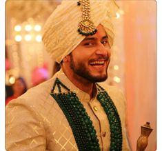 Such a cute smile Shrenu Parikh, Surbhi Chandna, Shraddha Kapoor, Life Is Beautiful, Menswear, Cute, How To Wear, Wedding, Outfits
