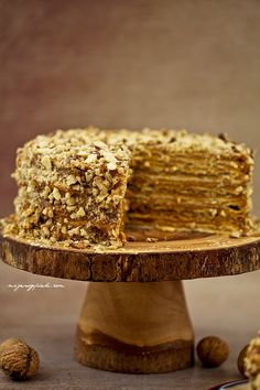 Tort kajmakowy z Chile - tort tysiąca warstw Vegan Desserts, Just Desserts, Delicious Desserts, Yummy Food, Food Cakes, Cupcake Cakes, Thousand Layer Cake, Sweet Recipes, Cake Recipes