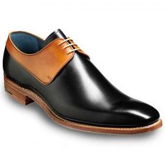 Men's Fashion Black and Tan two tone derby shoes, Men formal leather shoes Fashion Mode, Look Fashion, Fashion Shoes, Mens Fashion, Fashion Black, Brown Leather Shoes, Black Oxfords, Real Leather, Leather Skin