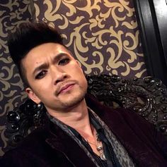 @shadowhunterstv: Peace out! Hope you had fun getting a glimpse of my day on set. #Shadowhunters #HarryTakeover - @harryshumjr dailyharryshumjr Follow