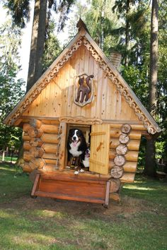 {How absolutely fabulous!!!  LOVE this pet log cabin for my Dollymae!!}<3