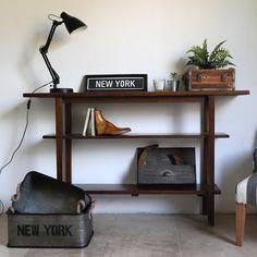 "Estudio V on Instagram: ""▪️Consola maximo▪️ ▪️Zinc caja con manija setx2 ▪️ ▪️Cubo madera ▪️ ▪️Florero chapa para colgar▪️ ▪️Cuadro New York▪️"" Entryway Tables, New York, Furniture, Instagram, Home Decor, Sheet Metal, Bud Vases, Studio, New York City"