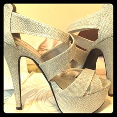 Silver glittery fashion pumps Worn once to prom!! These are lovely for a night out with your man or your girlfriends!! ❤️ Shoes Heels