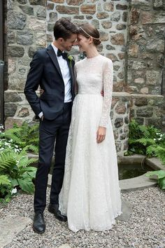 """Sara Blomqvist, model - The verdant setting of Swedish model Sara Blomqvist's upstate New York ceremony practically called for a mist of the """"summery and light"""" Marc Jacobs Daisy."""