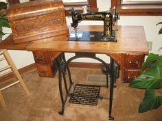 Wheeler & Wilson W-9 Treadle Sewing Machine by dorsetspinner, via Flickr