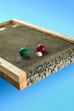 How to build a petanque court Backyard Games, Backyard Projects, Outdoor Projects, Outdoor Games, Lawn Games, Backyard Ideas, Bocce Ball Court, Large Backyard Landscaping, Backyard Seating
