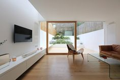 The owners of a private Victorian house in East London hired Tamir Addadi Architecture to design a modern extension along with some renovations.