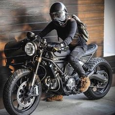 I want to get my motorbike license Ducati Scrambler Cafe Racer Ducati Cafe Racer, Moto Ducati, Cafe Racer Bikes, Cafe Racer Motorcycle, Moto Bike, Motorcycle Design, Motorcycle Helmets, Cafe Racers, Women Motorcycle