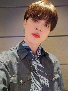 Jimin Icons, Vlive Bts, Jimin Wallpaper, Korean Group, Karasuno, Kpop, Bts Edits, Funny Me, Hoseok