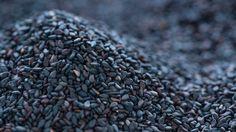 Schwarzer Sesam – uralt und urgesund! Warum du nicht auf die kleinen Körner verzichten solltest