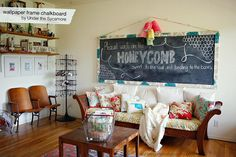 love this giant chalkboard...would be good to put our apartment name on :)