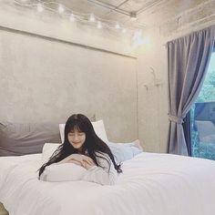 Cute Korean Girl, Asian Girl, Cosmetic Web, Falling In Love, Ulzzang, Bed, Wattpad, Girls, Furniture