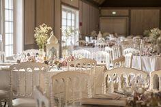 Marie, Oriental, Table Decorations, Furniture, Home Decor, Chic Wedding, Homemade Home Decor, Home Furnishings, Interior Design