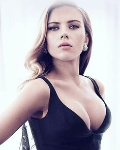 Scarlett Johansson is a native New Yorker American actress and singer Scarlett Johansson Avengers, Beautiful Celebrities, Beautiful Actresses, Beautiful Women, Black Widow Scarlett, Black Widow Marvel, Gal Gadot, Woman Crush, Hollywood Actresses