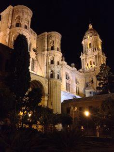 Catedral de Málaga, por la noche. Increíble!!!