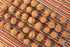 Pfeffernüsse : Spicy German Christmas Cookies from TheChicBrûlée.com
