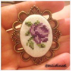 123 Cross Stitch, Cross Stitch Fruit, Small Cross Stitch, Beaded Cross Stitch, Cross Stitch Designs, Cross Stitch Patterns, Hand Embroidery Designs, Beaded Embroidery, Cross Stitch Embroidery