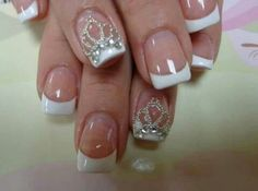 Crown design nails. Re-pin if you like. Via Inweddingdress.com #nails