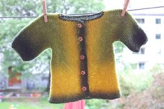 Baby Surprise Jacket by Elizabeth Zimmerman - sungifu's version looks like stained glass. one of the most beautiful versions I have seen anywhere.