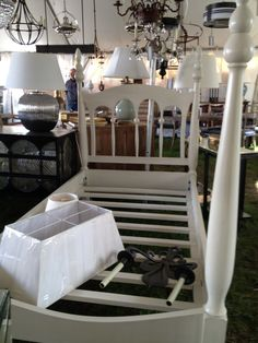Travels to the Famous Brimfield Show (A Neophyte's Telling) – Part 2 | Chez Elza