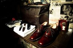 Gladstone Grooming- Product placement again with alder shoes