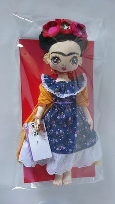Muñeca de trapo hecha a mano inspirada en Frida Kahlo Muñeca de trapo hecha a ma...