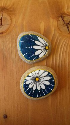 Simple Diy Painted Rocks Ideas For Inspiration41