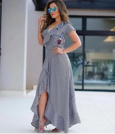 s daughter hands out doughnuts to secret service agents Modest Fashion, Boho Fashion, Fashion Dresses, Womens Fashion, Modest Dresses, Casual Dresses, Summer Dresses, Western Wear For Women, Casual Work Outfits