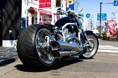 Harley Davidson News – Harley Davidson Bike Pics Harley Davidson Custom Bike, Harley Davidson Motorcycles, Custom Motorcycles, Custom Choppers, Custom Street Bikes, Custom Bikes, Baggers, Bobber, Harley V Rod