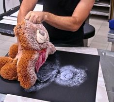 teddy bear print - here's a cool tip! before you get rid of your kiddo's old/damaged teddy: un-stuff, light spray paint, press onto paper. a super fun way to preserve childhood memories! Diy And Crafts, Crafts For Kids, Arts And Crafts, Art Projects, Projects To Try, Crafty Projects, Creation Deco, Handmade, Childhood Memories