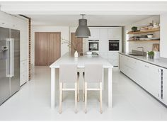 This is the first Limehouse kitchen I have photographed in a house. Modern, clean lines and fresh design.