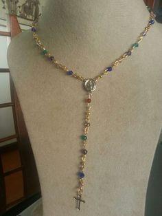 Collar rosario de colores