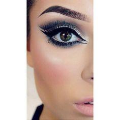 Πλησιάζουν #χριστούγεννα άρα και εντυπωσιακά #μακιγιάζ με πολλή #λάμψη ! Για ραντεβού στο σπίτι σας στο τηλέφωνο  21 5505 0707! . . . #γυναικα #myhomebeaute  #ομορφιά #καλλυντικά #καλλυντικα #μακιγιαζ #ματια #μολύβι #eyeliner #μακιγιαζ #κραγιόν #κραγιον #νυφικό #νυφικο #νυφη #νύφη #χριστουγεννα