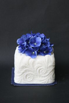 Battesimo Matrimonio Blue Floral Mini Cake....