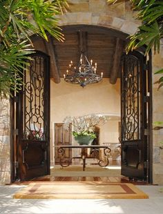 foyer: wooden beam ceiling, cast iron frames, sideboard ...