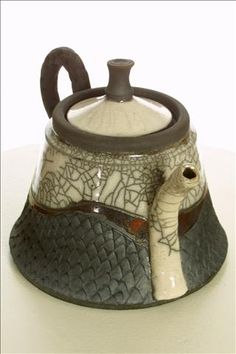 beautiful raku teapot ~ Pottery by Nita Claise Pottery Teapots, Raku Pottery, Teapots And Cups, Ceramic Teapots, Pottery Art, Ceramic Art, Kintsugi, Teapots Unique, Sculptures Céramiques